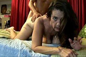 Na šteklivý video obsah pre dospelých je možné používať prototypy Video sa odohráva v luxusnom apartmáne, pričom ukazuje sex muža (z.